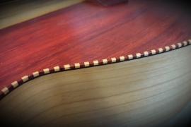 Acustica con tavola in padouk e tastiera fanned