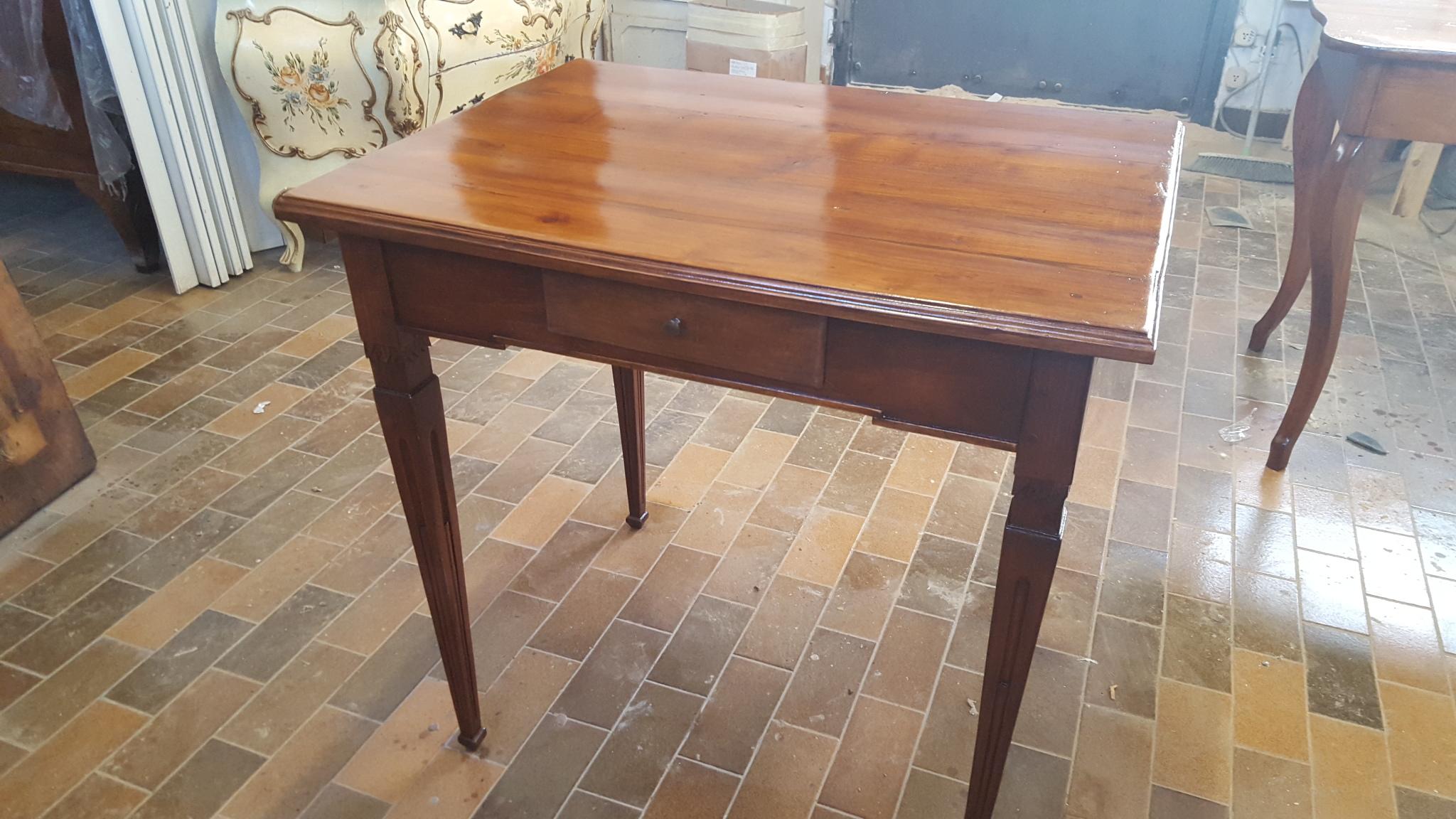 Il restauro dei tavoli